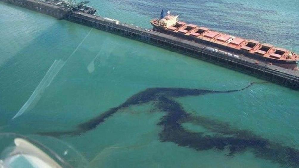 tràn dầu ở biển