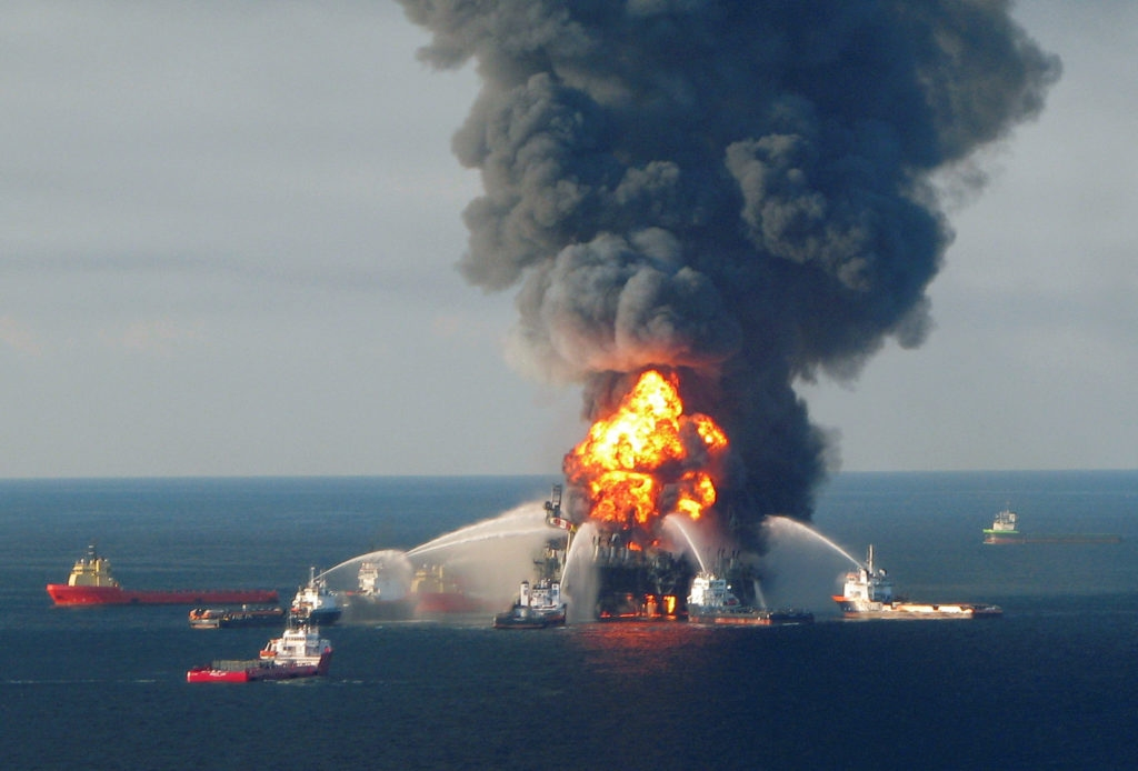 nguyên nhân tràn dầu do thiên tai